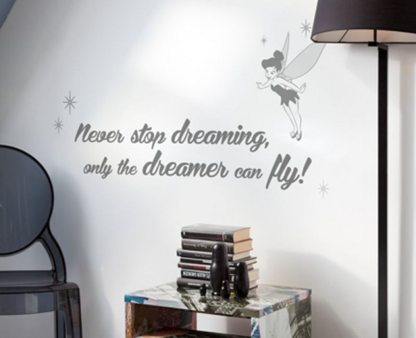 "Wandsticker ""Never stop dreaming"""